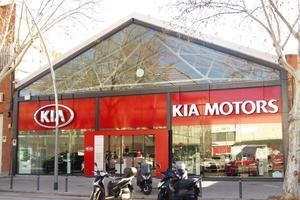 AR Motors Barcelona Ciutat d'Asunció, 38-40