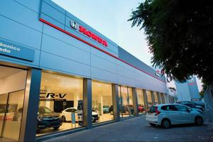 Center Auto Valencia Avenida Tres Cruces, 44